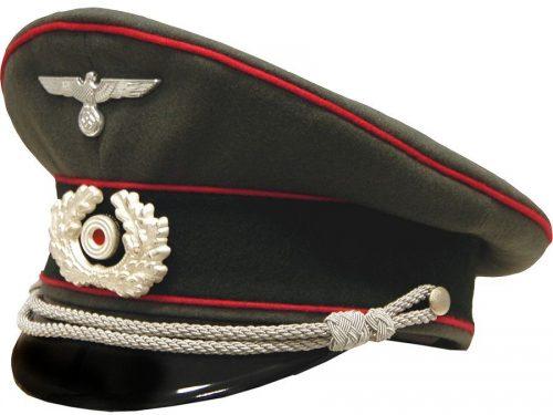 Фуражка офицера бронетанковых войск Вермахта.