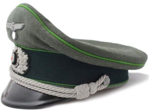 Фуражка офицера панцер-гренадерных частей Вермахта.