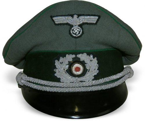 Фуражка офицера Вермахта для горно-егерских частей.
