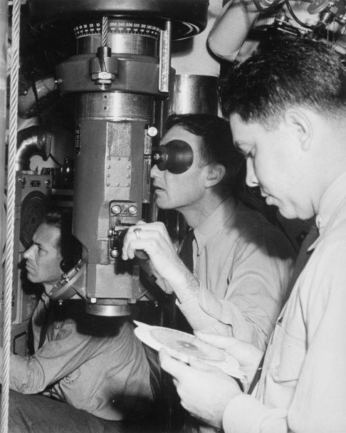 Командный пункт подводной лодки. Август 1943 г.