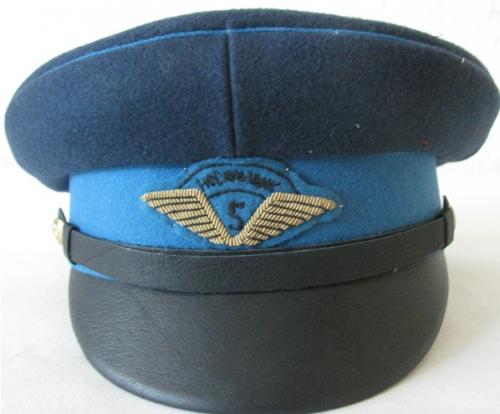 Фуражка носильщика аэропорта образца 1937 года.