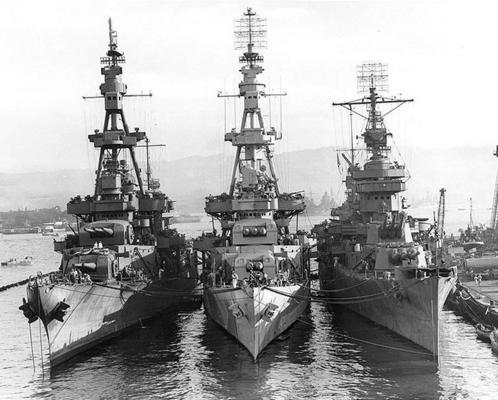 Тяжелые крейсера «Солт-Лейк-Сити», «Pensacola» и «New Orleans» в Перл-Харборе. Октябрь 1943 г.