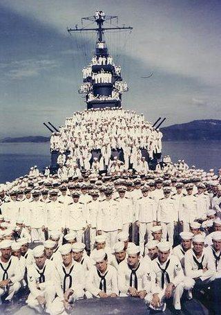 Офицеры и экипаж авианосца «Biloxi». Октябрь 1943 г.