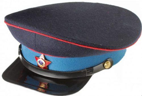 Фуражка старшего командно-начальствующего состава милиции образца 1940 года.