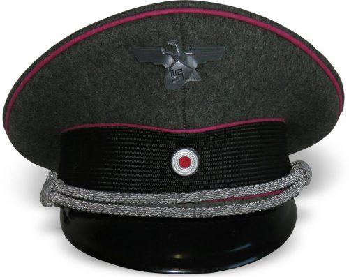 Офицерская фуражка заводской полиции Третьего Рейха.