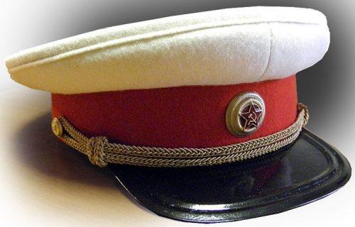 Фуражка повседневная летняя генерала РККА образца 1940 года, введенная Приказом НКО СССР №212 от 13 июля 1940 г.