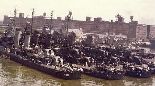 Эсминцы на военно-морской базе Норфолк. 1943 г.