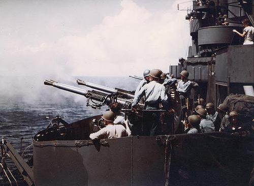 40-мм орудия крейсера «Biloxi». 1943 г.