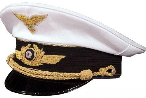 Летняя фуражка генерала Люфтваффе.