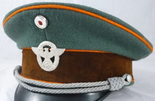 Фуражка офицера жандармерии.