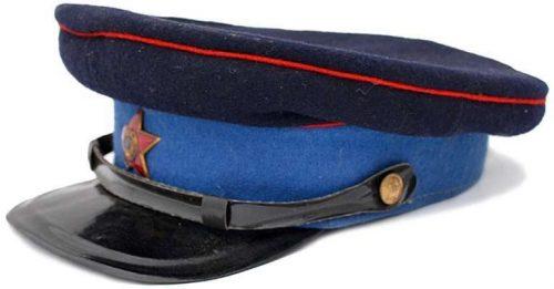 Фуражка начальствующего состава милиции образца 1943 года, веденная приказом НКВД СССР №126 от 18.92.1943 года.