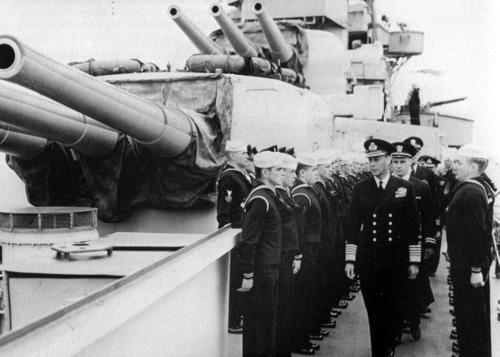 Король Георг VI на тяжелом крейсере «Augusta» в Портленде. Май 1944 г.
