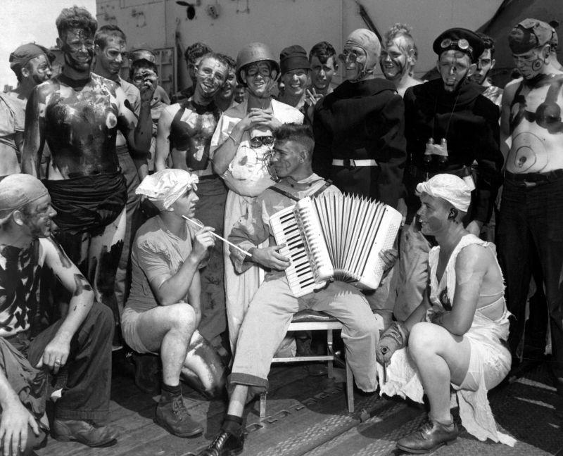 Празднование дня Нептуна на американском авианосце «Энтерпрайз». Сентябрь 1944 г.