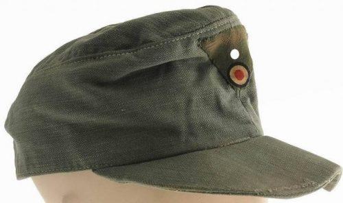 Летняя кепи Вермахта из хлопчатобумажной ткани образца 1943 года.