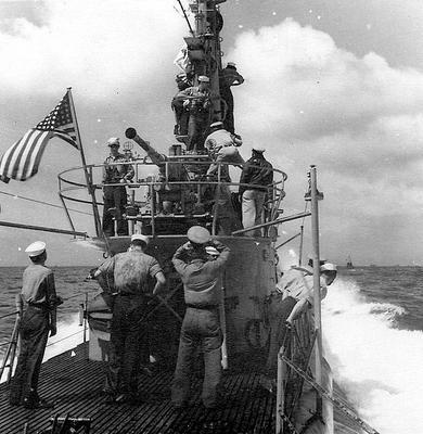 Подлодка «Spot» (SS-413) во время своего первого патрулирования. Декабрь 1944 г.
