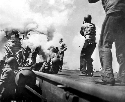 Авария на авианосце «Essex». 1944 г.