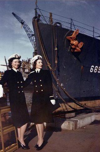 Медсестры на военно-морской верфи Мэр-Айленда. 1944 г.