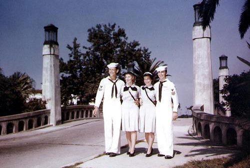 Моряки и служащие WAVES в Новом Орлеане. 1944 г.