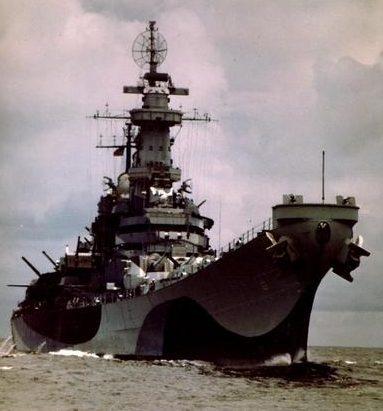 Линкор «Missouri» в море. 1944 г.