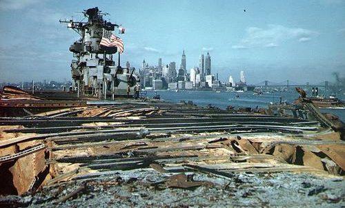 Авианосец «Франклин» прибыл в Нью-Йорк на ремонт. Апрель 1945 г.