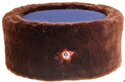 Шапка - кубанка начальствующего состава милиции из натурального цигейкового меха коричневого цвета, образца 1940 года.