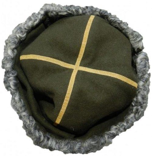 Папаха для полковников всех родов войск (служб) РККА образца 1943 года.