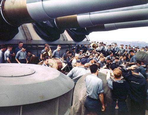 Концерт на борту линкора «Wisconsin». 1945 г.