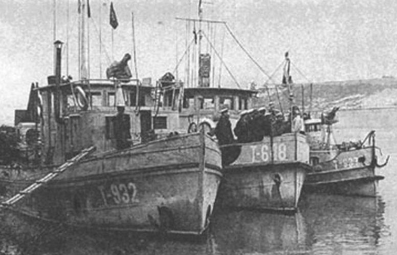 Корабли 25-й отдельной бригады речных кораблей.