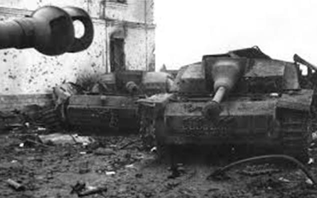 Разбитая немецкая техника в «котле». Май 1945 г.
