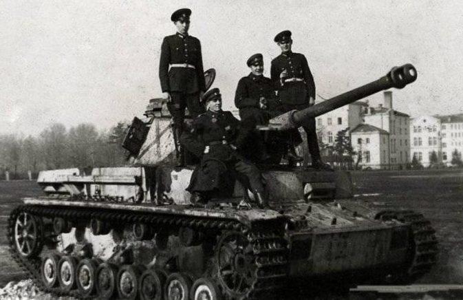 Болгарские танкисты.