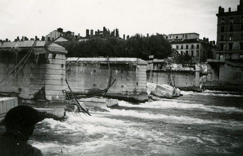 Разрушенный Тильзиттский мост.