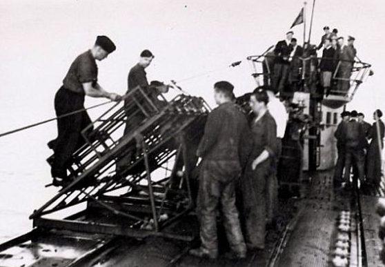 Испытание ракет на подлодке U-511.