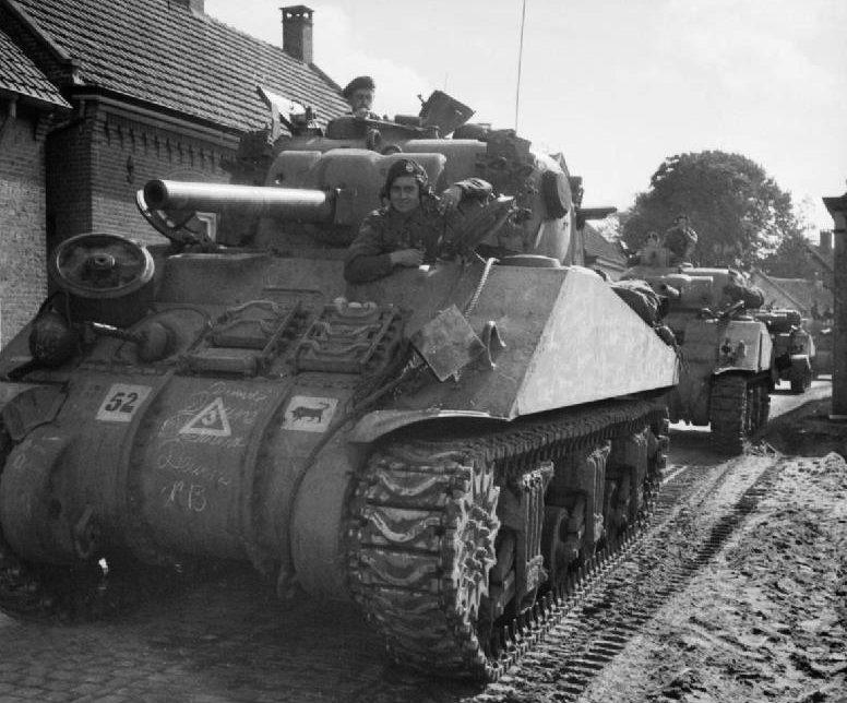 Танки 11-й дивизии в Бельгии.