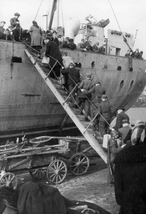 Эвакуация немецких войск и населения из Вентспилса. 19 октября 1944 г.
