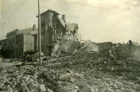 Разрушения в освобожденном Даугавпилсе.