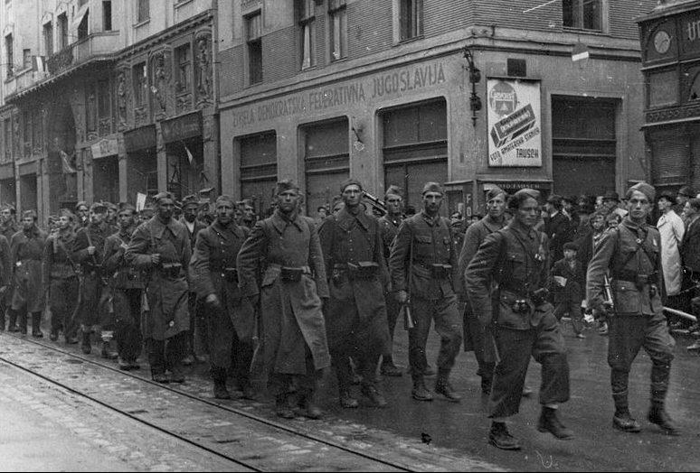 Части 3-го корпуса НОВС в освобожденном Сараево.
