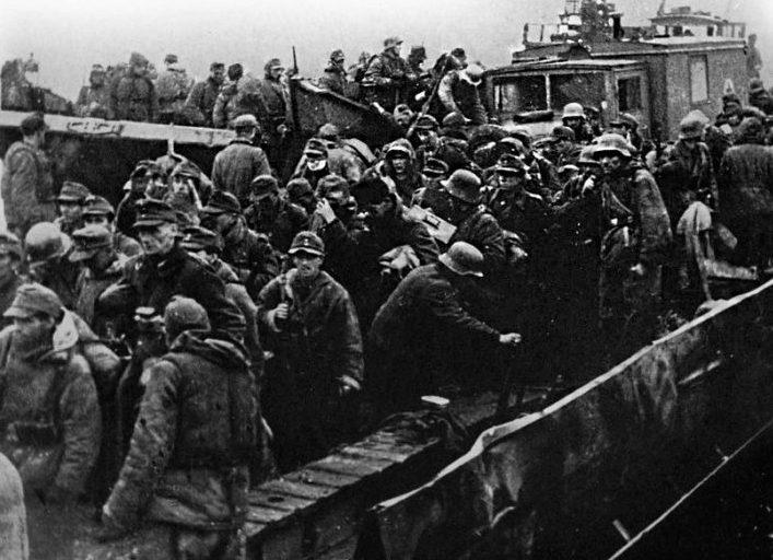 Эвакуация немецких войск. Октябрь 1944 г.