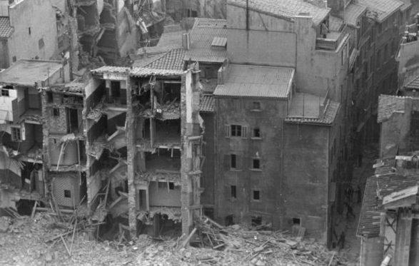 Руины припортового квартала.