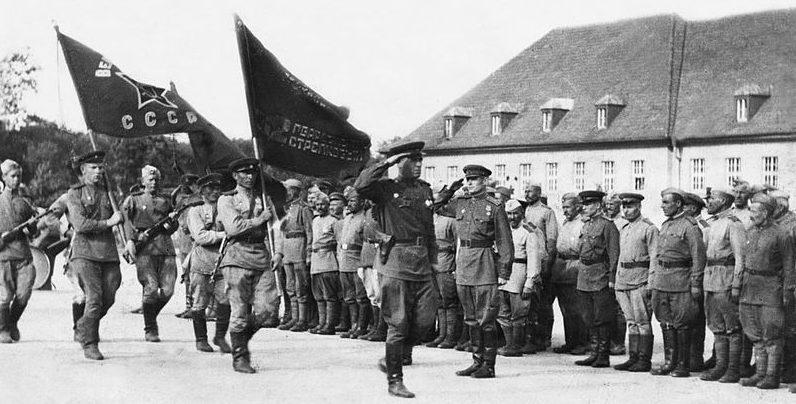 80-я гвардейская стрелковая дивизия на улицах взятой Вены.