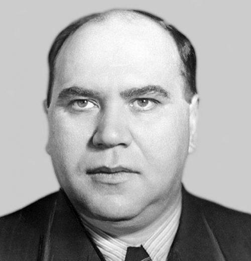 Александр Ефремов - министр станкостроения СССР.
