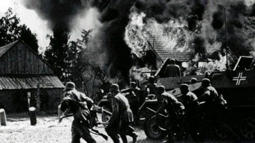 Каратели в словацкой деревне.