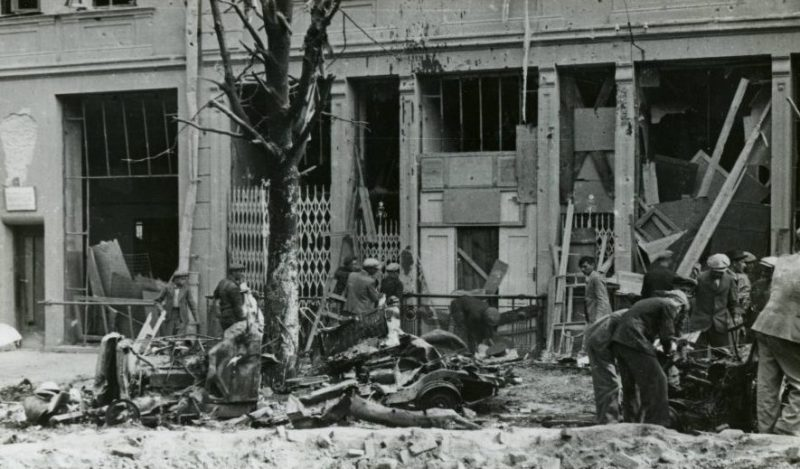 Последствия немецкой бомбардировки. 9 сентября 1939 г.