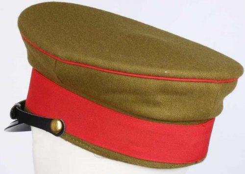 Фуражка армейского офицера образца 1945 года.