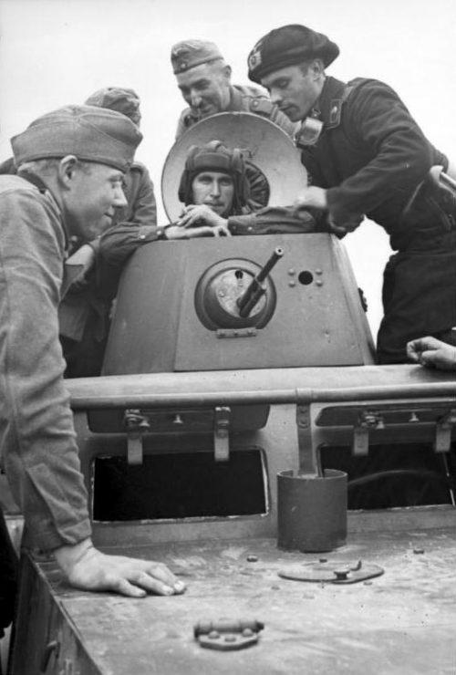 Встреча немецких и советских солдат в Бресте. 20 сентября 1939 г.