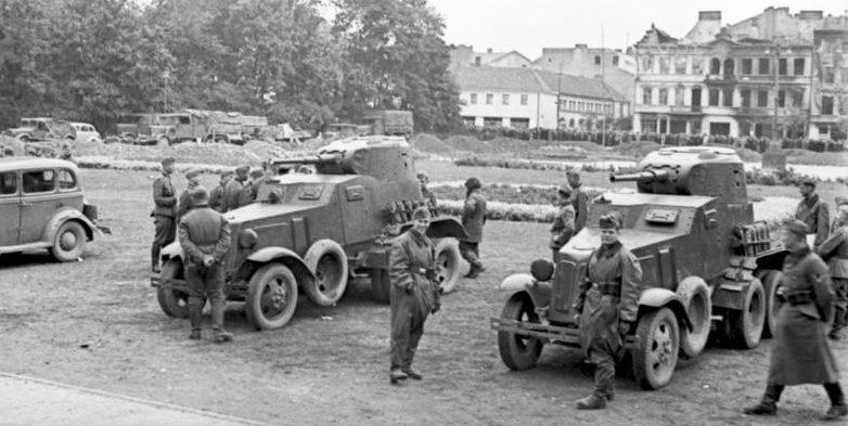 Встреча немецких и советских солдат в Люблине. 22 сентября 1939 г.