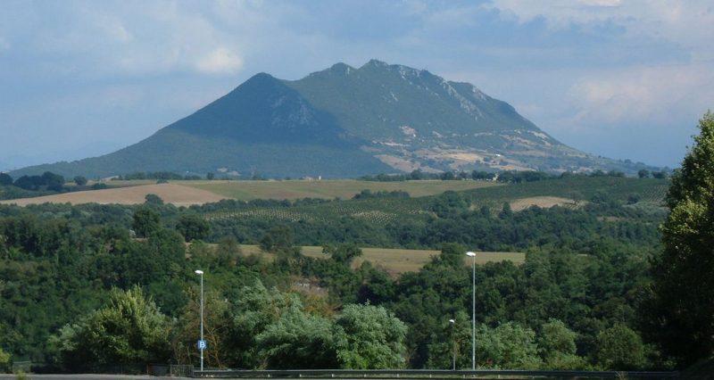 Гора Монте-Соратте.
