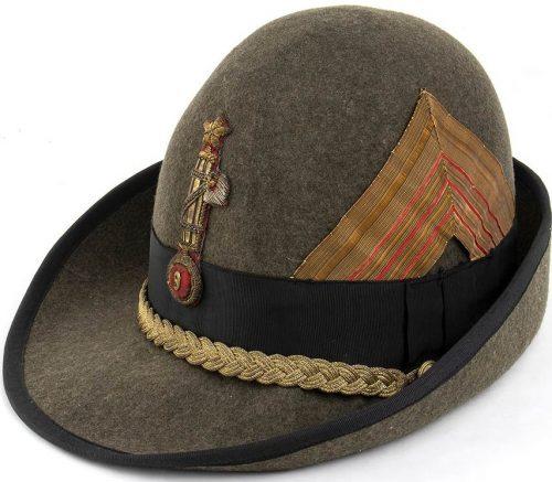 Шляпа командира легионом чернорубашечников.