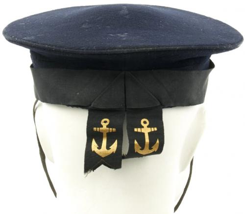 Синяя бескозырка матросов ВМС.