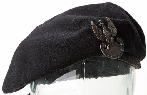 Берет польских подразделений в армии Великобритании.