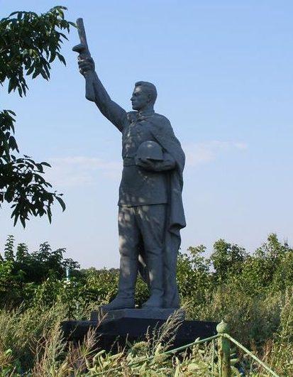 с. Казачий Гай Синельниковского р-на. Памятник, установленный на братской могиле воинов, погибших в боях за село.